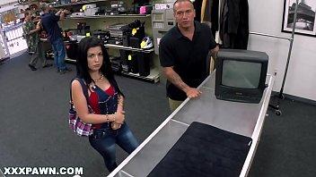 Молодая жена показывает ненасытность и дважды порется с мужем