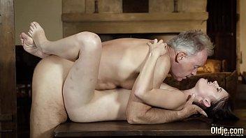 Анальный секс с худой блондинкой dakota skye