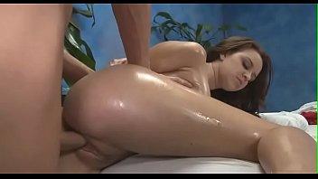 Знойный секс грудастой сексуальной телочкой в спальне